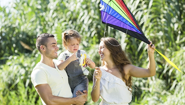 family-in-park-having-fun